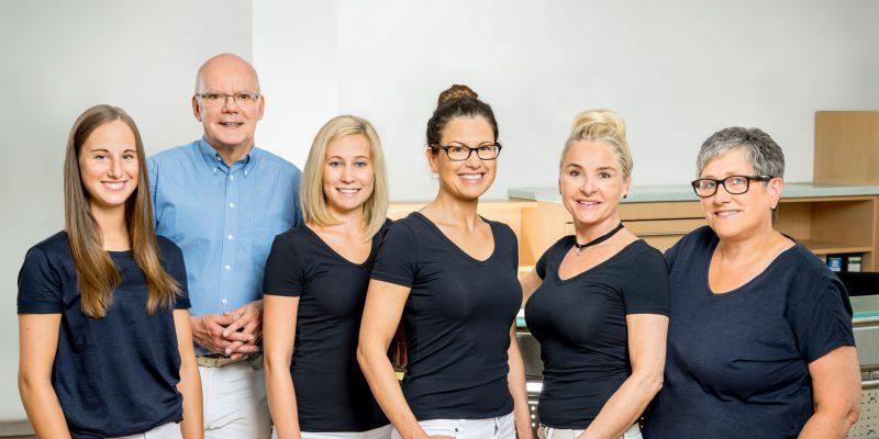 Das Team der Zahnarztpraxis Dr. Lettow