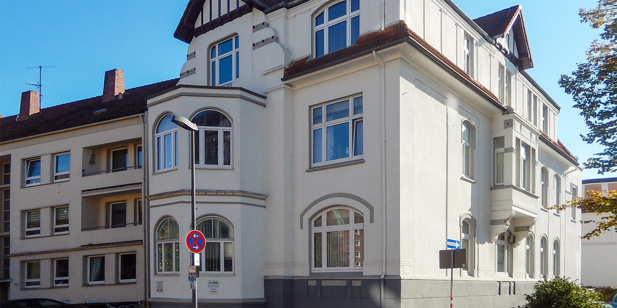 Außenansicht der Zahnarztpraxis Dr. Lettow in der Lotter Straße
